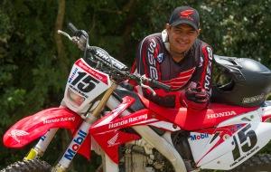 O mineiro Nielsen Bueno, que fazia parte de Equipe Satélite no ano passado, foi promovido a piloto oficial e faz parte da forte equipe de Rally