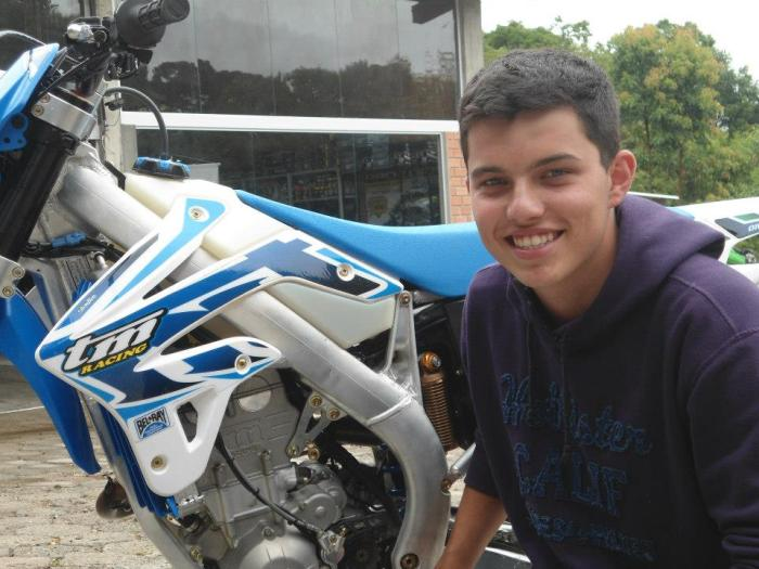 Tiago Kudlavies, estreando pela equipe TM Racing, vence 1º dia e assume liderança do Brasileiro de Enduro na Sênior
