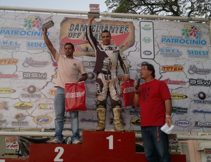 Mauricio Brandão com Emerson Loth Bombadinho (Campeão) e Mário Vignate (vice-campeão).