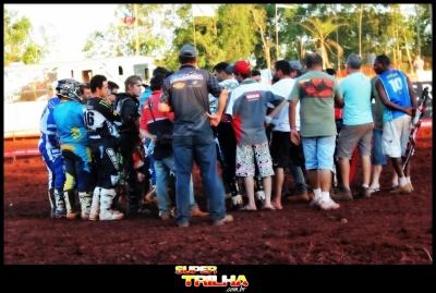 Os pilotos da MX1 se reuniram e decidiram pela não realização da segunda bateria