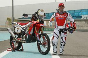 Paulo Gonçalves estampa o número 1 na sua moto. Ele é o atual campeão mundial - Foto: Divulgação/Team HRC