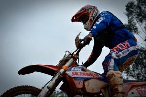 Depois de mais de um ano afastado das motos e competições, Nielsen Bueno fez sua reestreia na prova - Crédito: Janjão Santiago